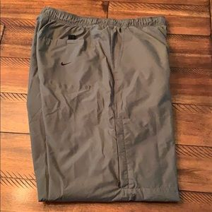 Nike Olive Green Nylon Athletic Hiking Pants Large